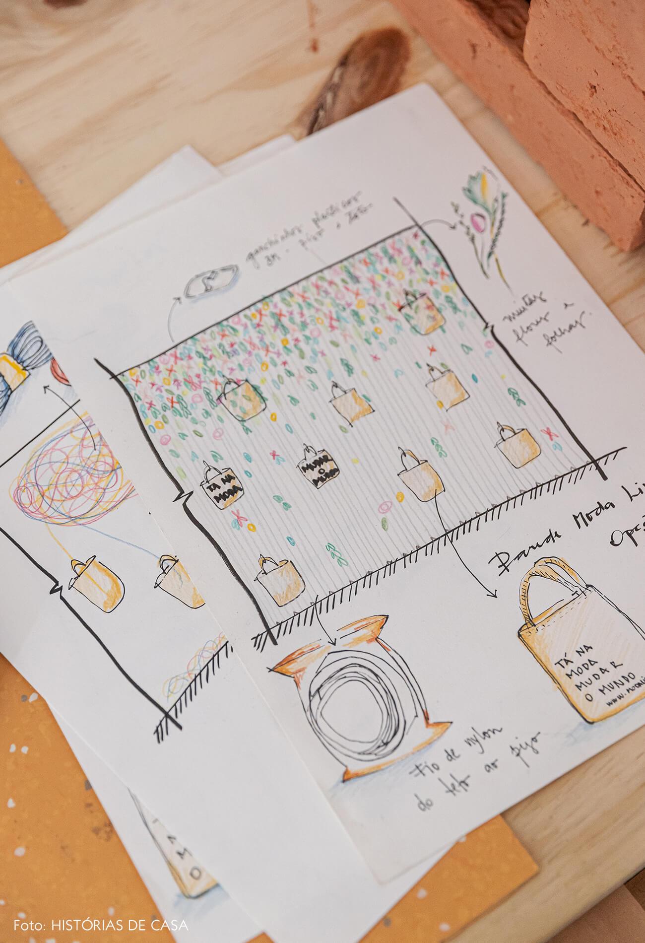detalhe-desenhos-em-mesa-madeira