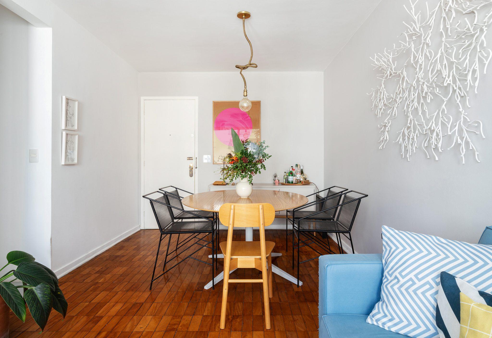 Apartamento alugado e colorido