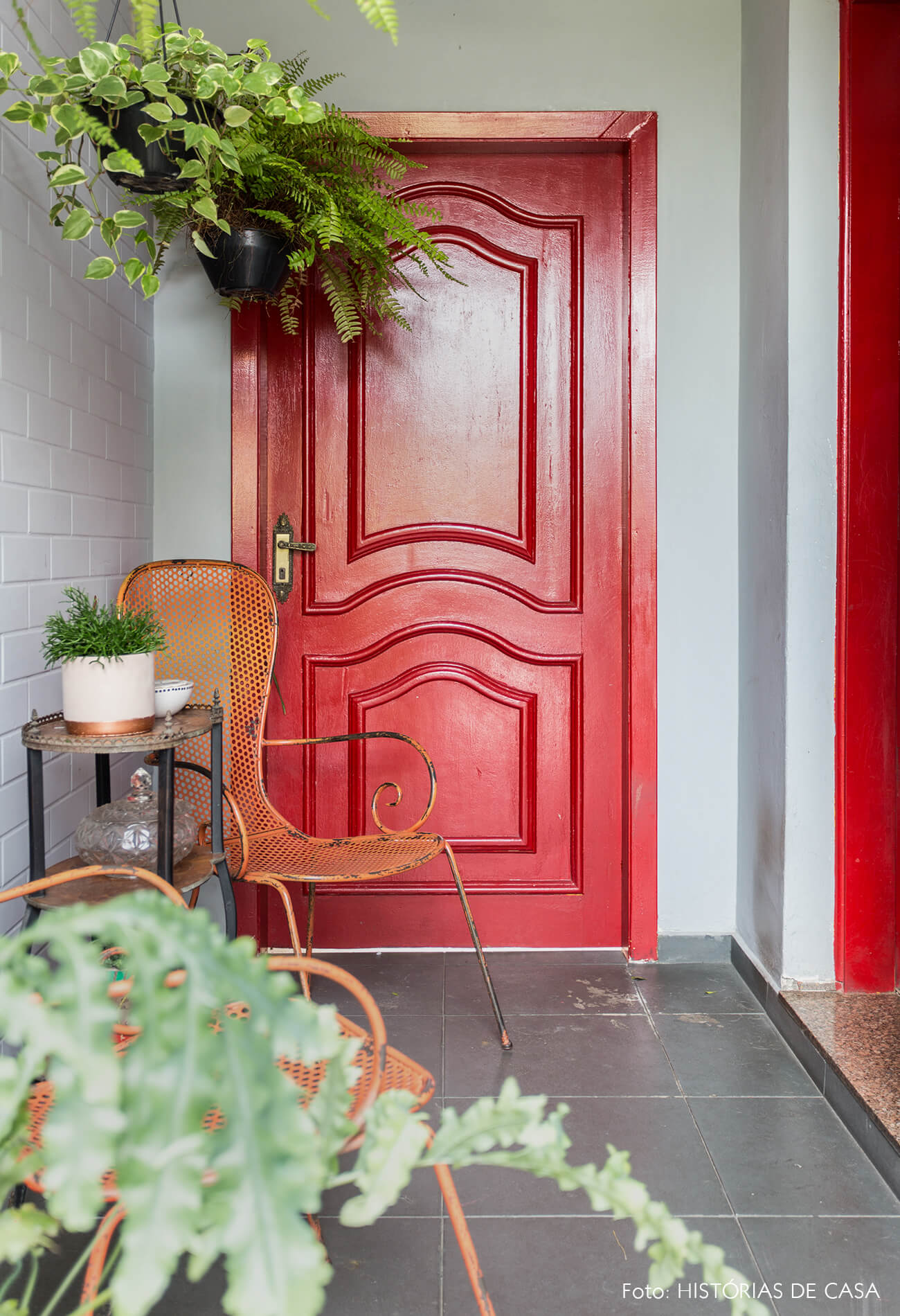 casa decoração hall entrada porta vermelha