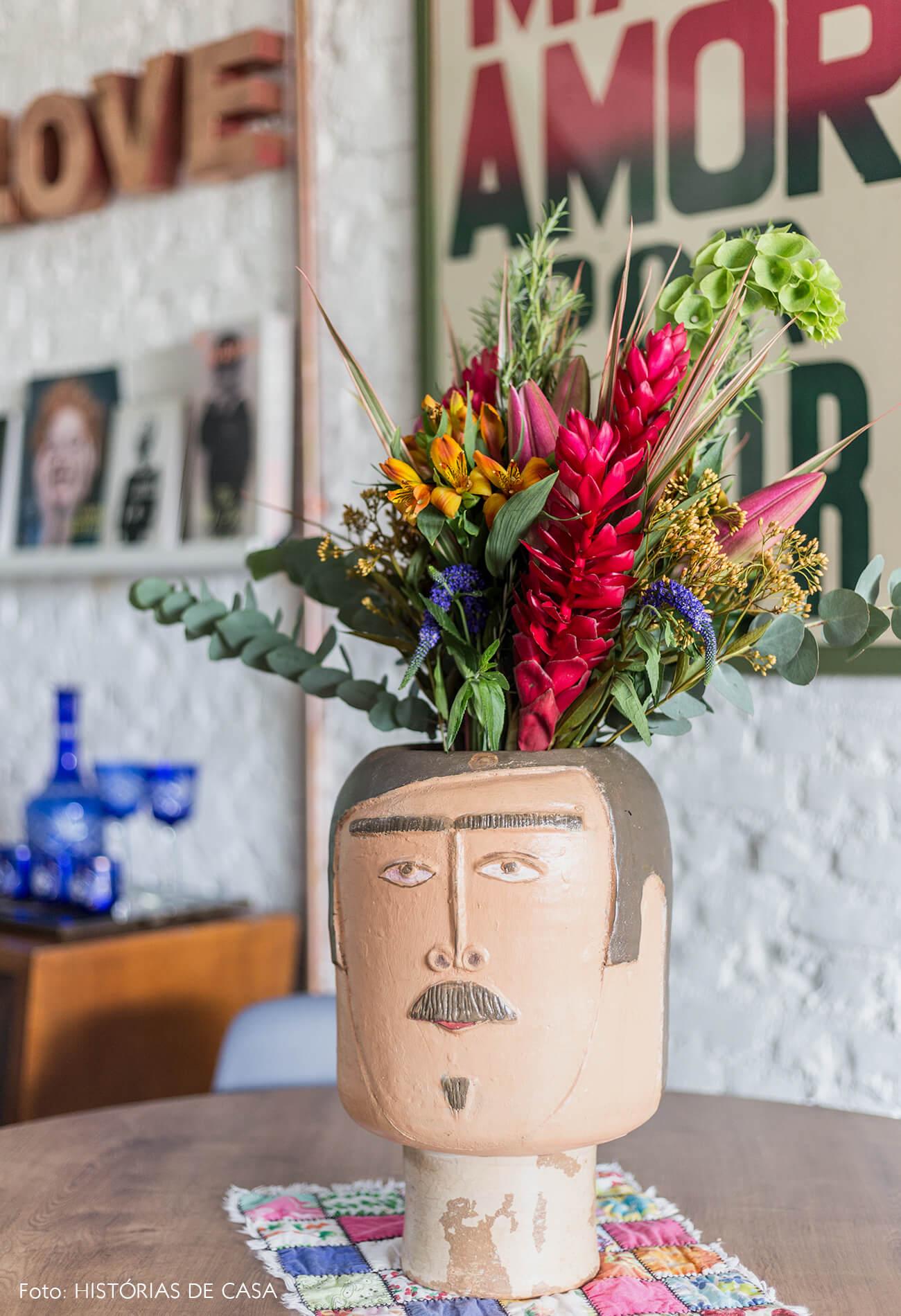 casa decoração vaso cabeça barro sala jantar