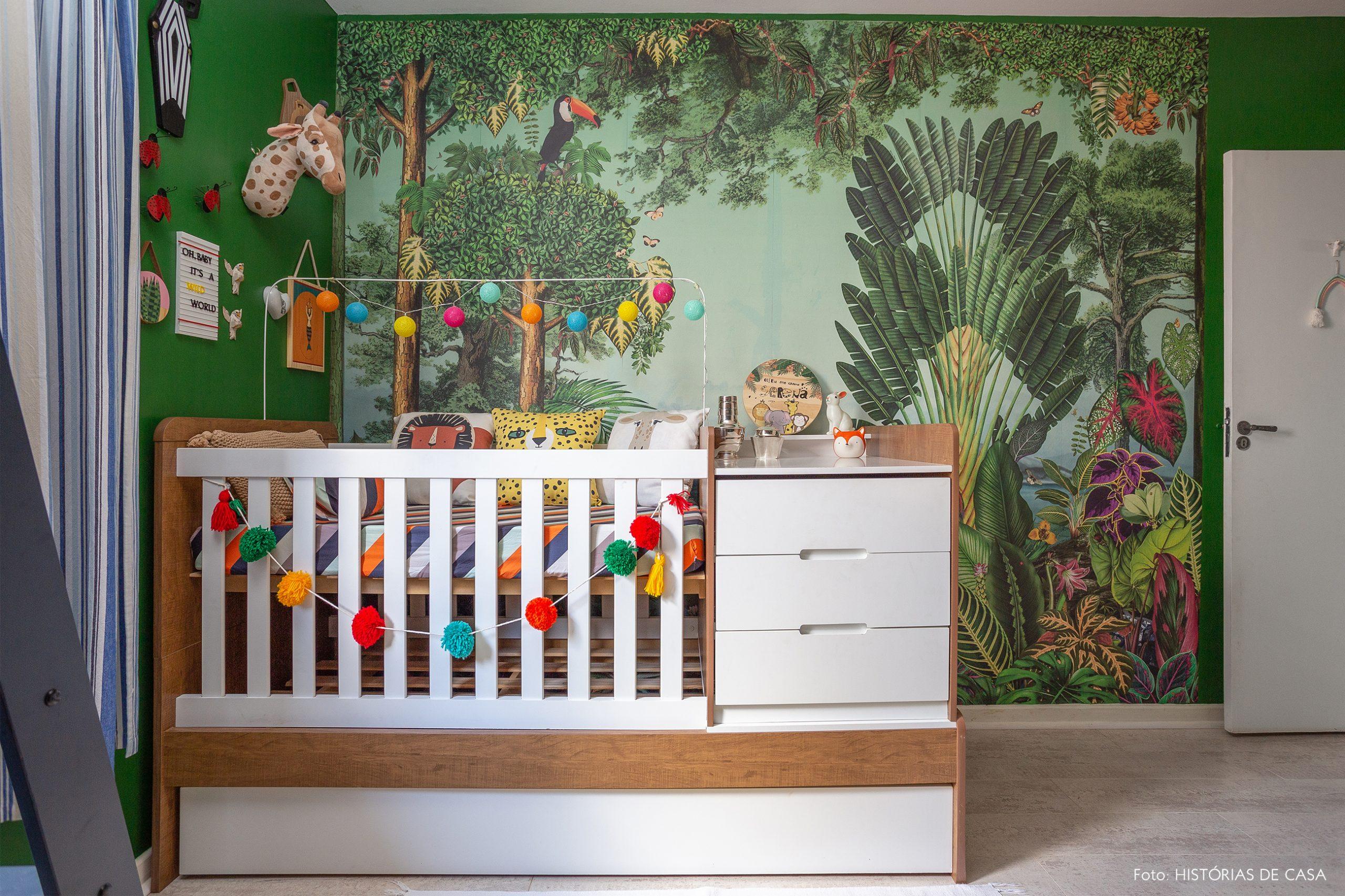 casa decoração quarto criança papel de parede verde