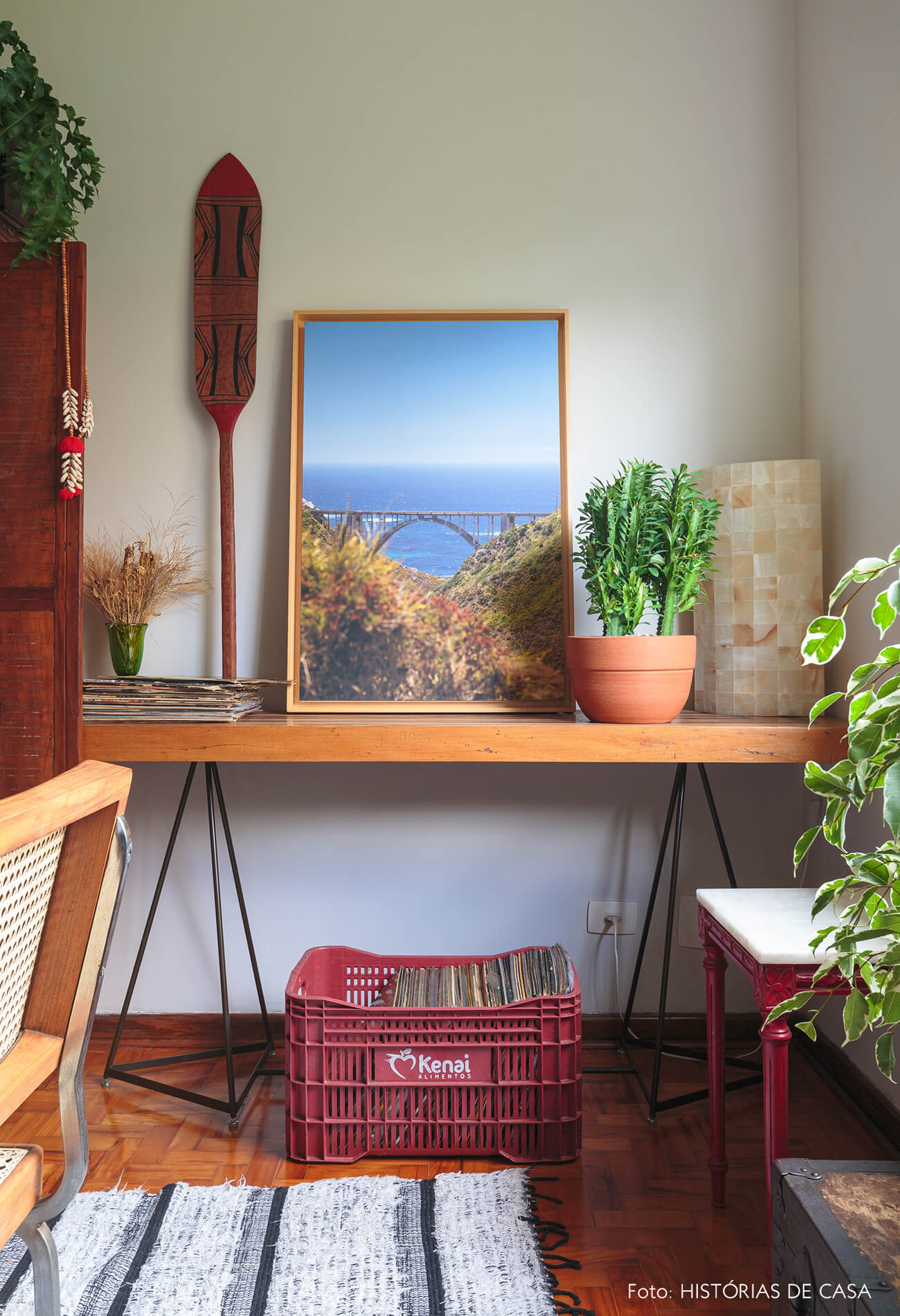 decoração sala jantar com aparador de madeira