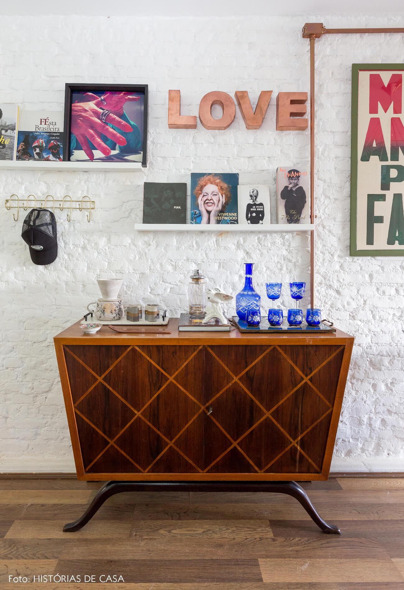 casa decoração bar vintage madeira parede tijolinhos branco