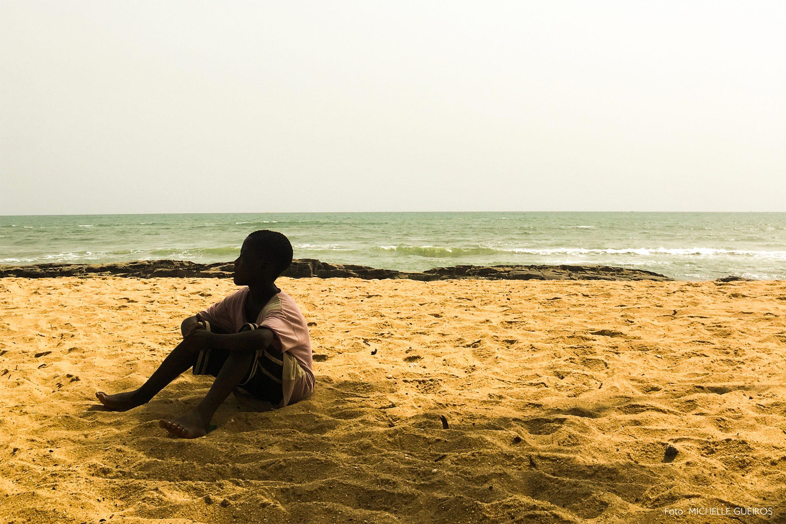 Gana viagem retrato praia