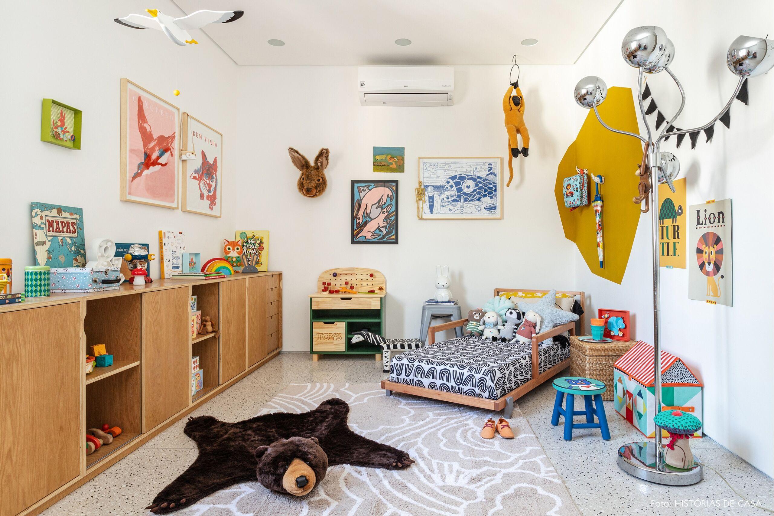 quarto infantil colorido tapete urso oficina criança madeira cesto
