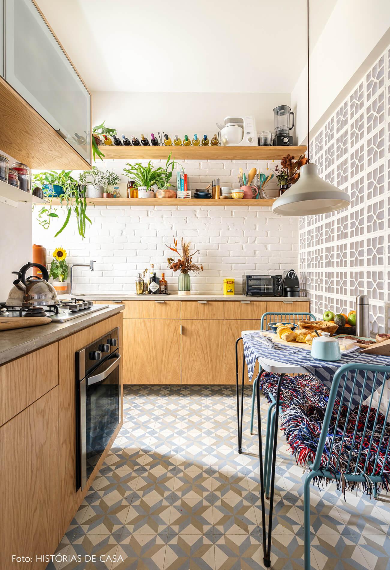 decoração cozinha com armarios marcenaria parede cobogó