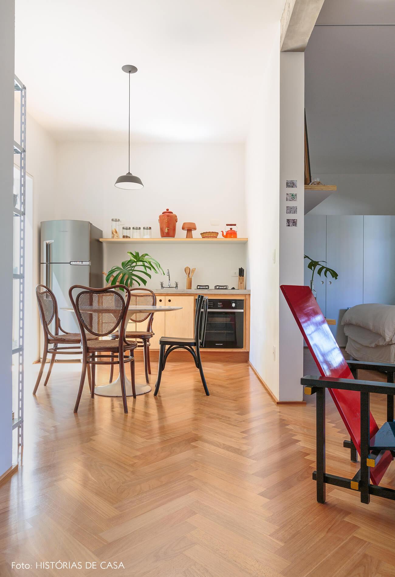 decoração cozinha cadeira palhinha sala red and blue