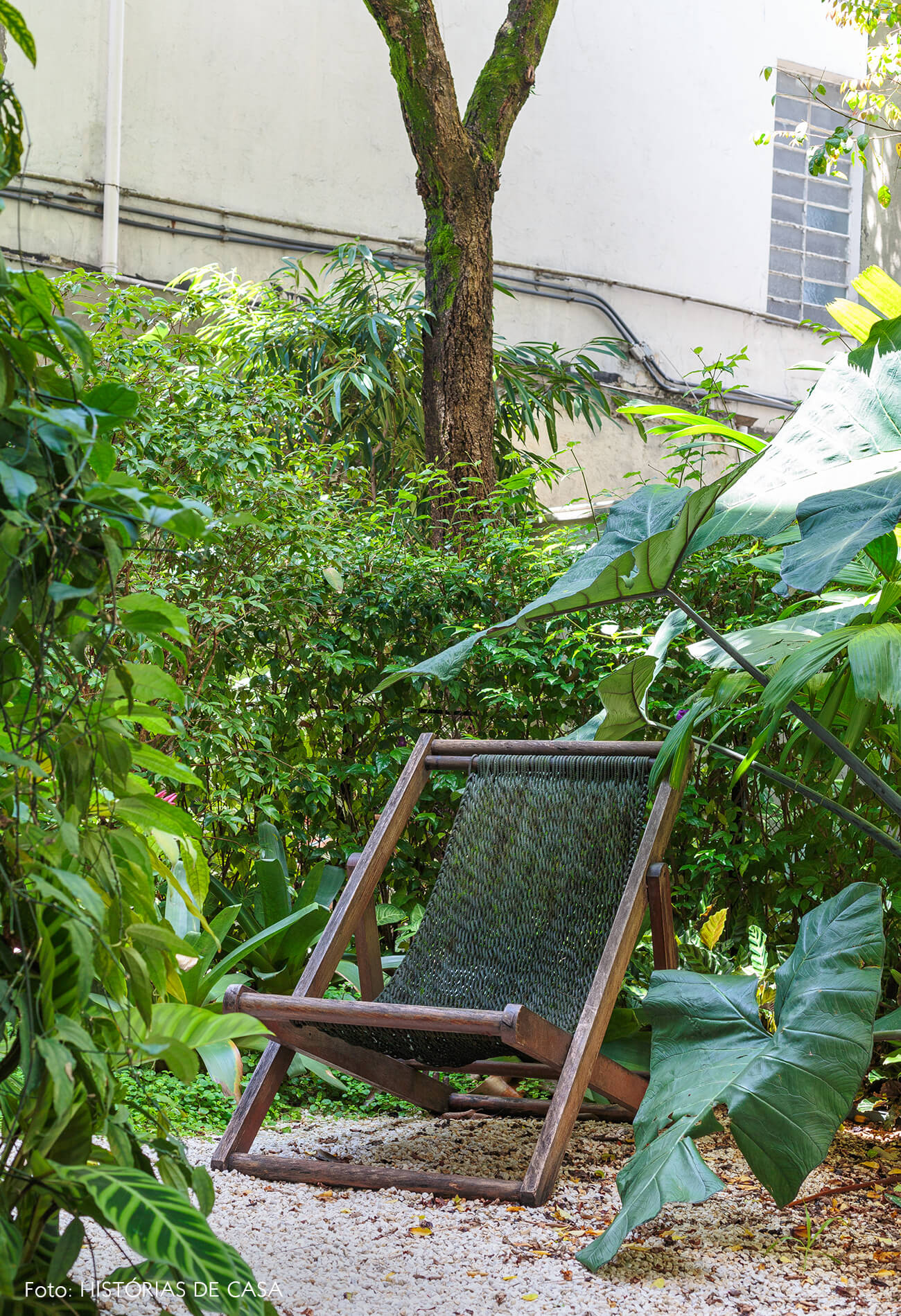 decoração jardim cadeira madeira