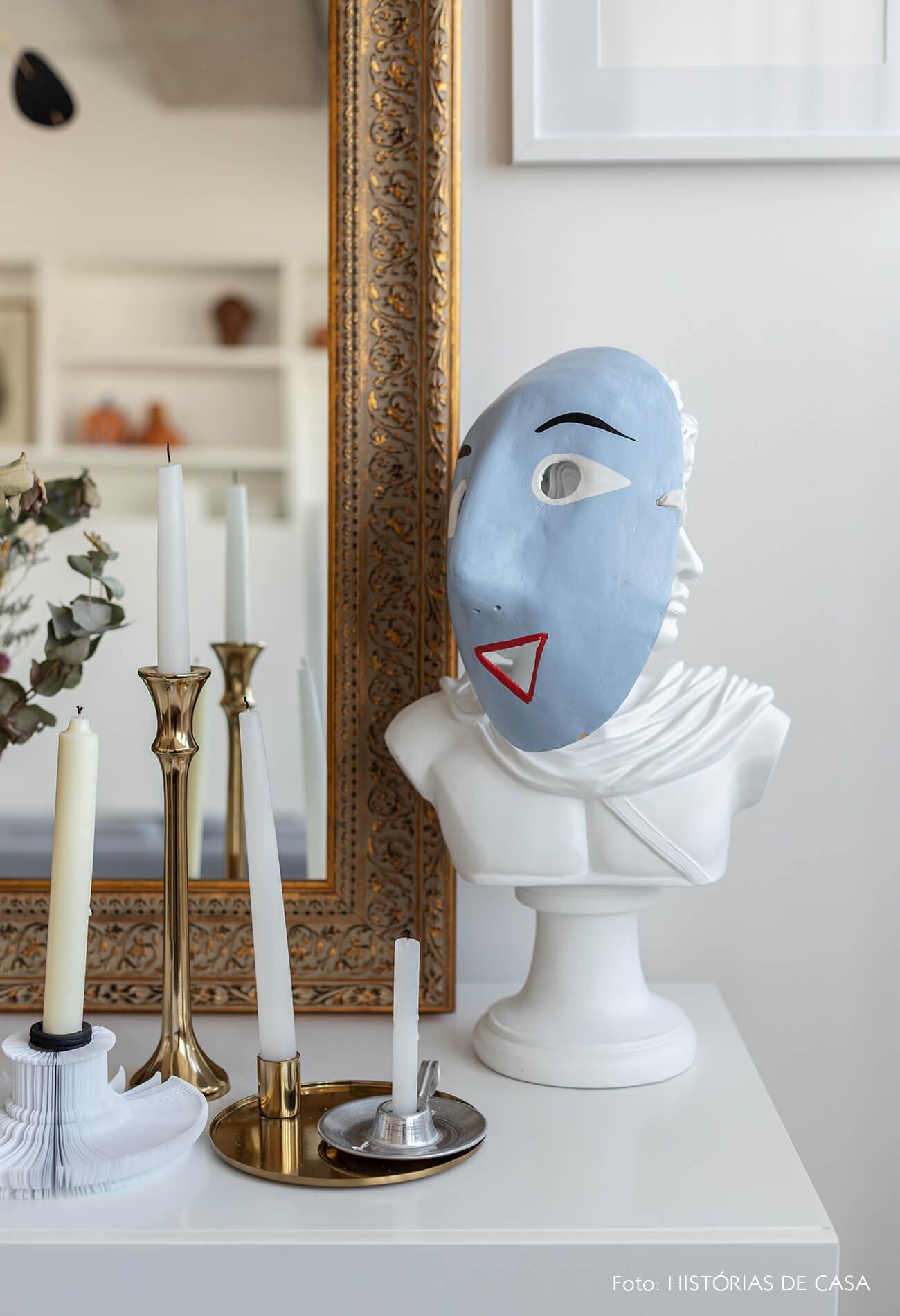 decoração detalhes sala busto mascara