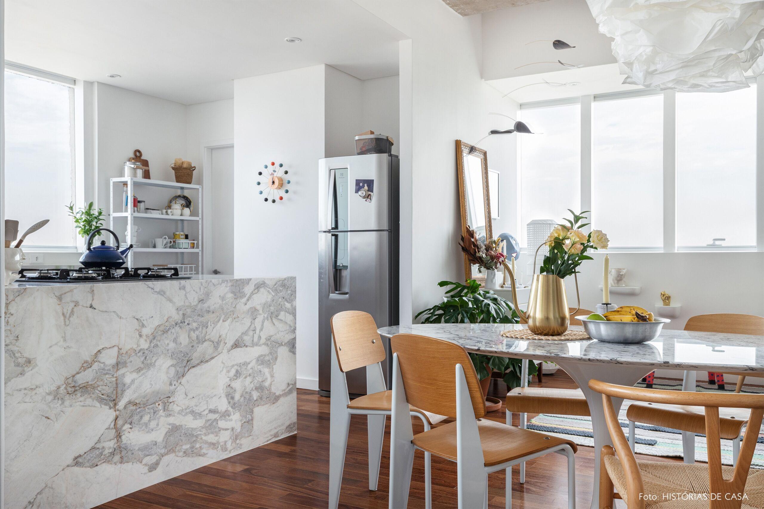 decoração sala jantar cozinha bancada marmore cadeira wishbone