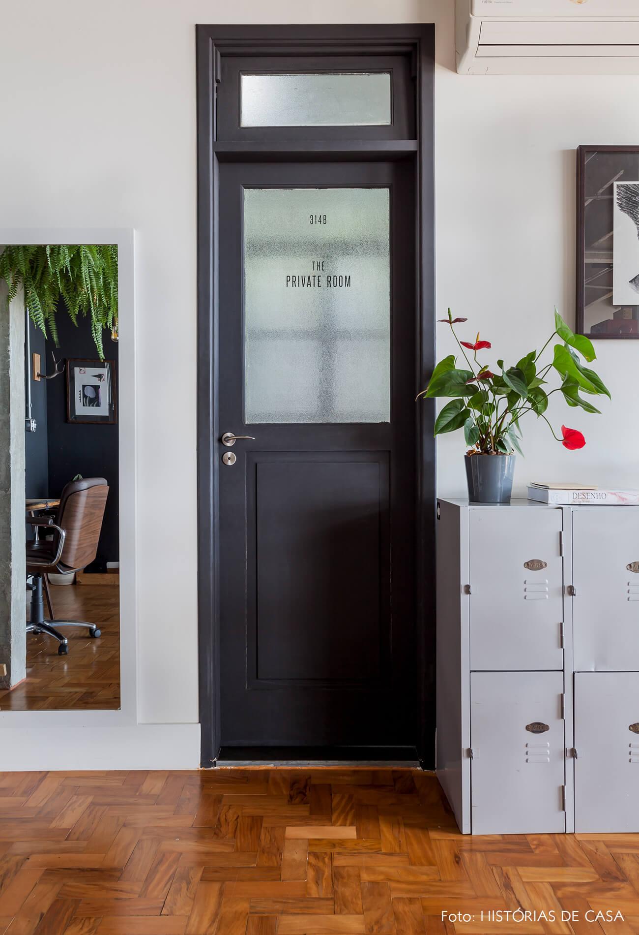 OPAN decoração armario metal porta preta