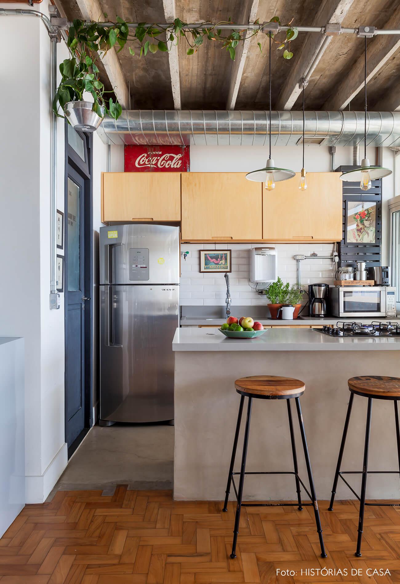 COPAN decoração cozinha bancada concreto e armarios marcenaria