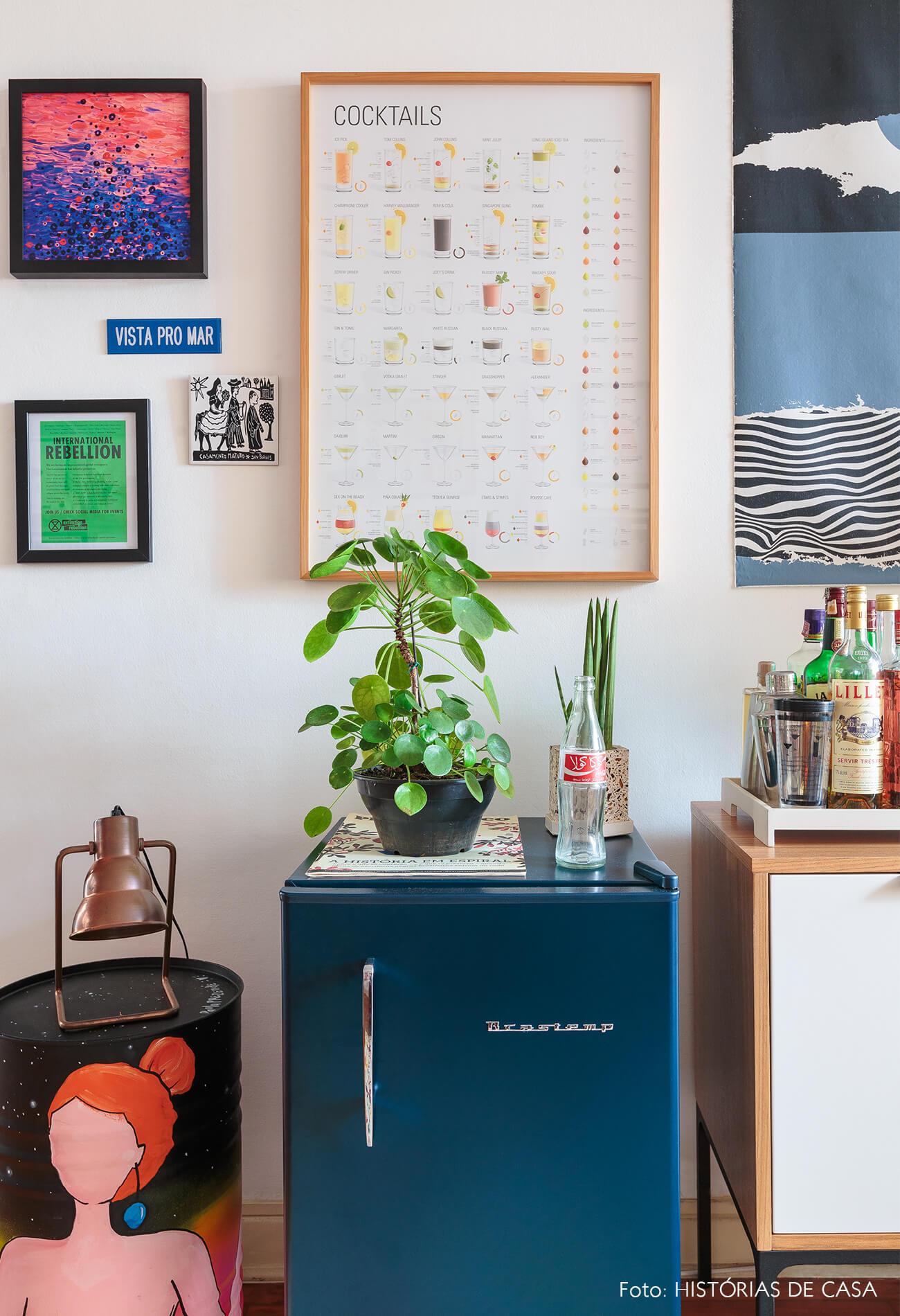 decoração sala frigobar vintage