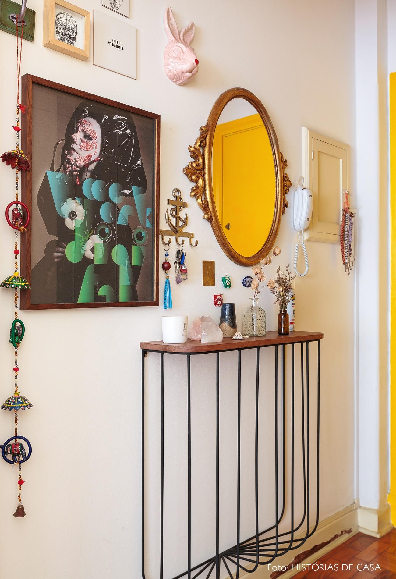 decoração hall mesa pés ferro espelho vintage