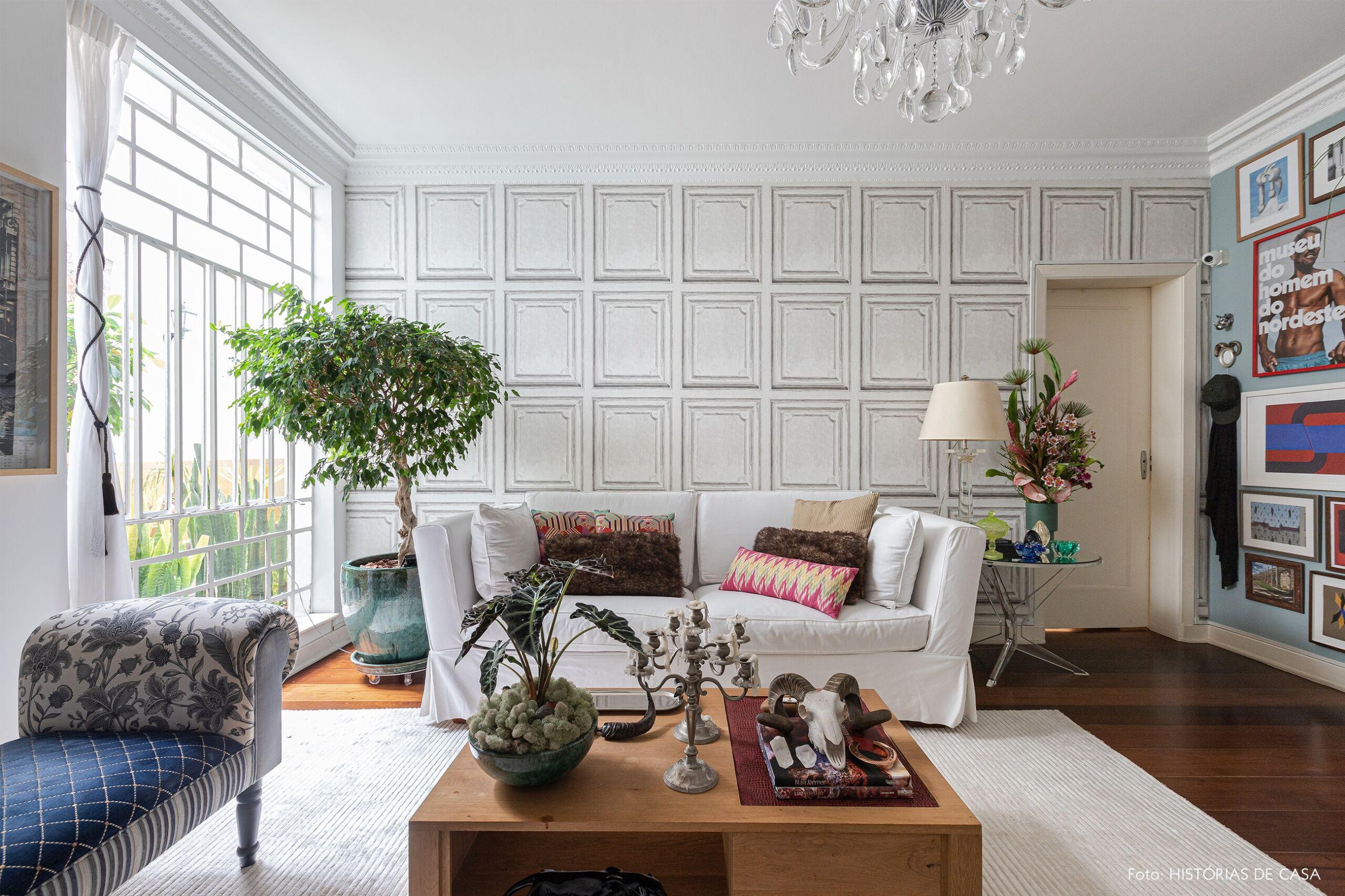 decoração sala parede azul sofa branco