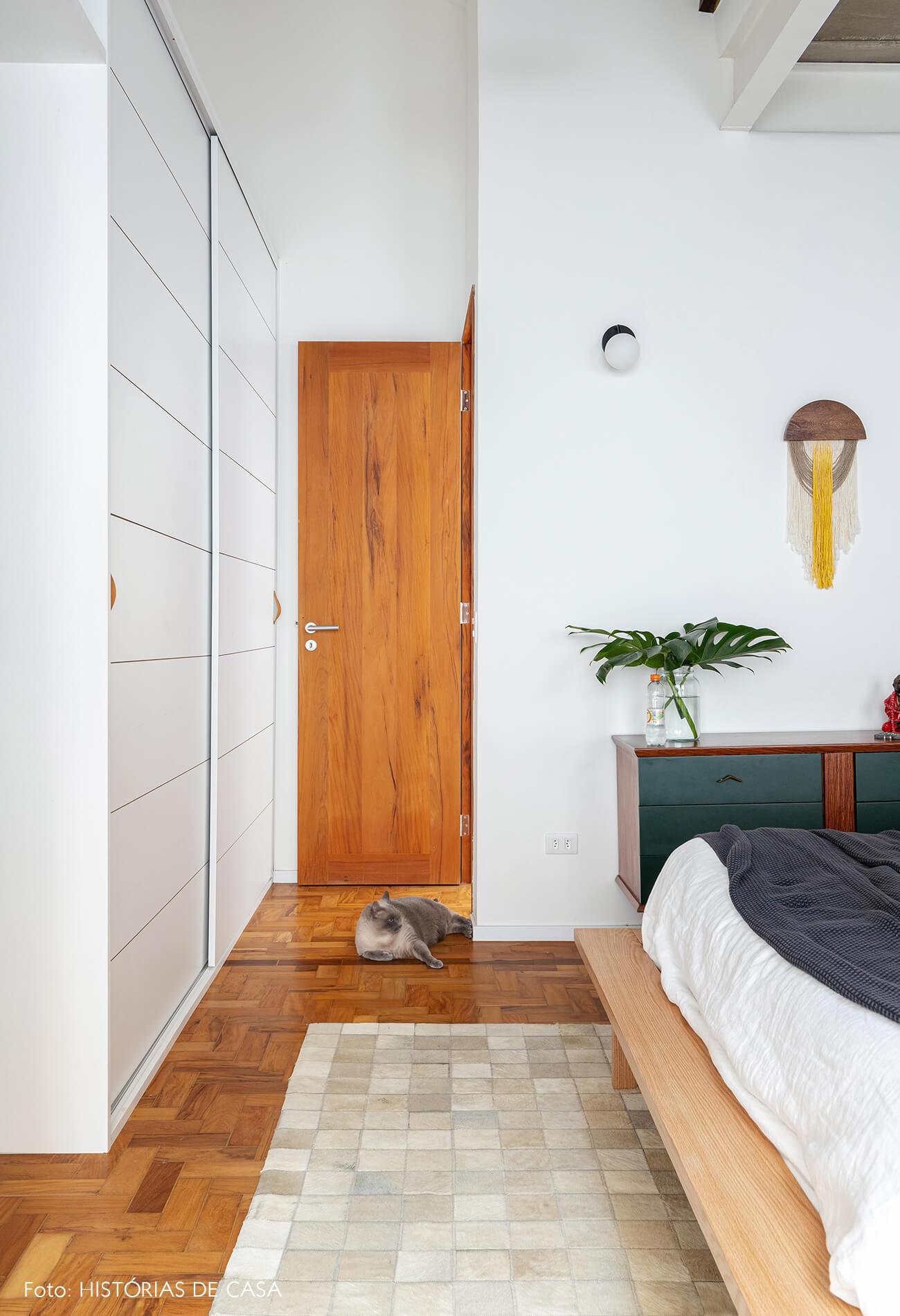 decoração quarto comoda verde