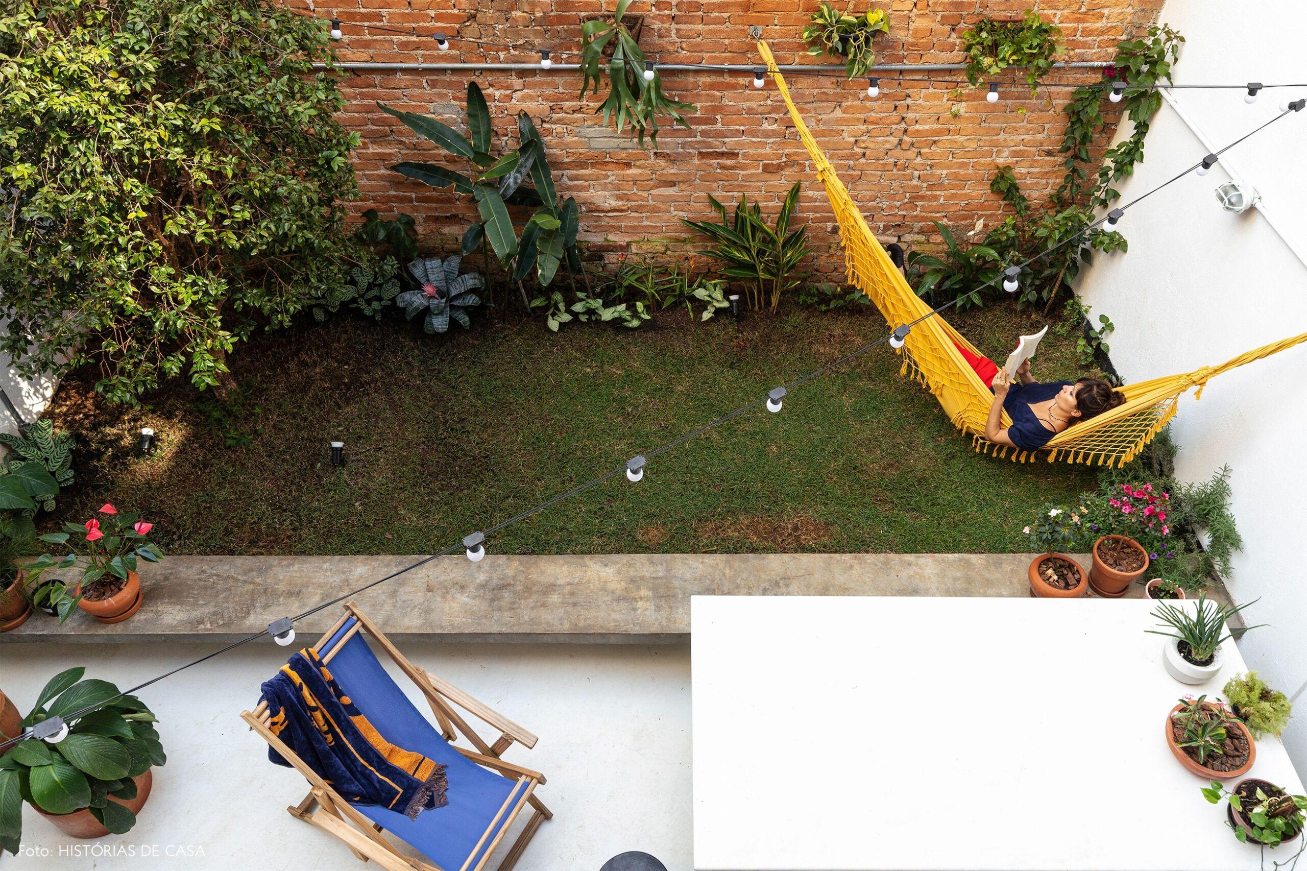 decoração quintal retrato em rede amarela