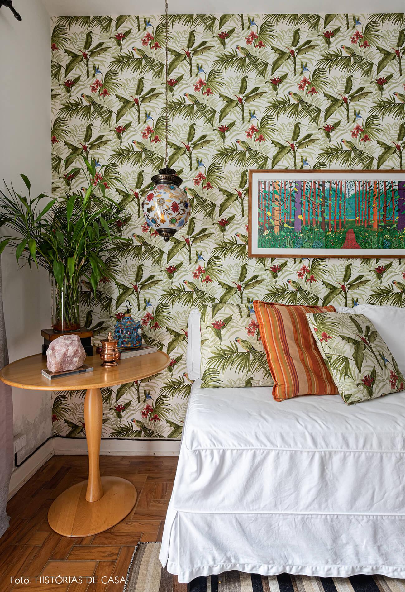 decoração sala tv papel de parede tropical