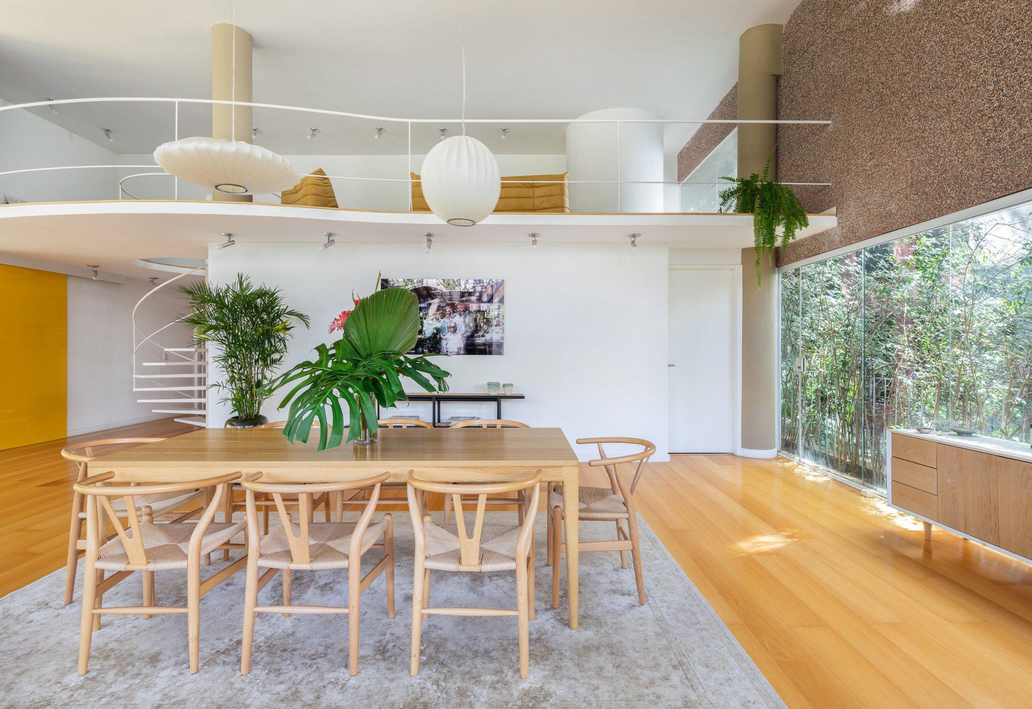 sala de jantar com piso laminado