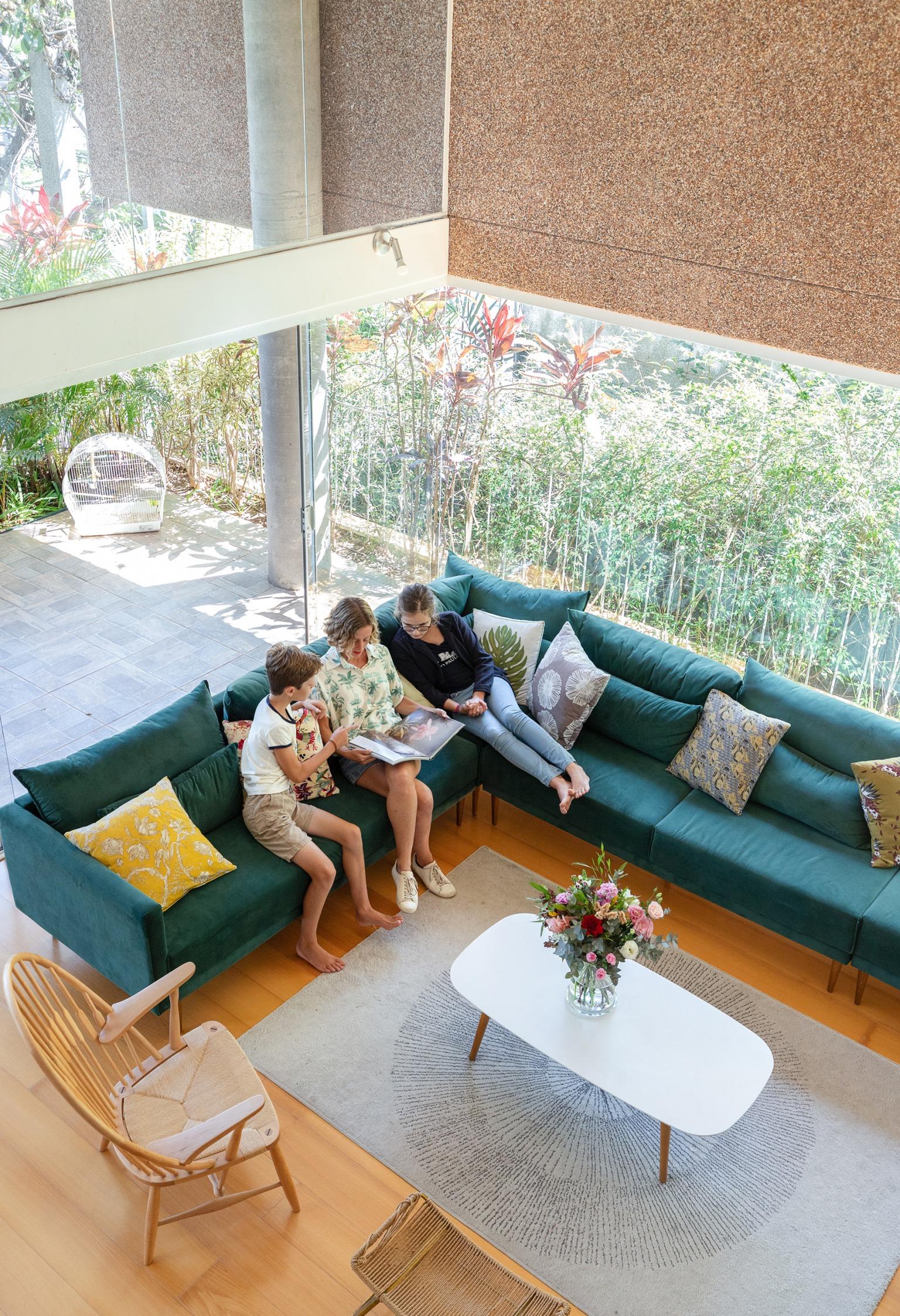 sala de estar com tapete minimalista