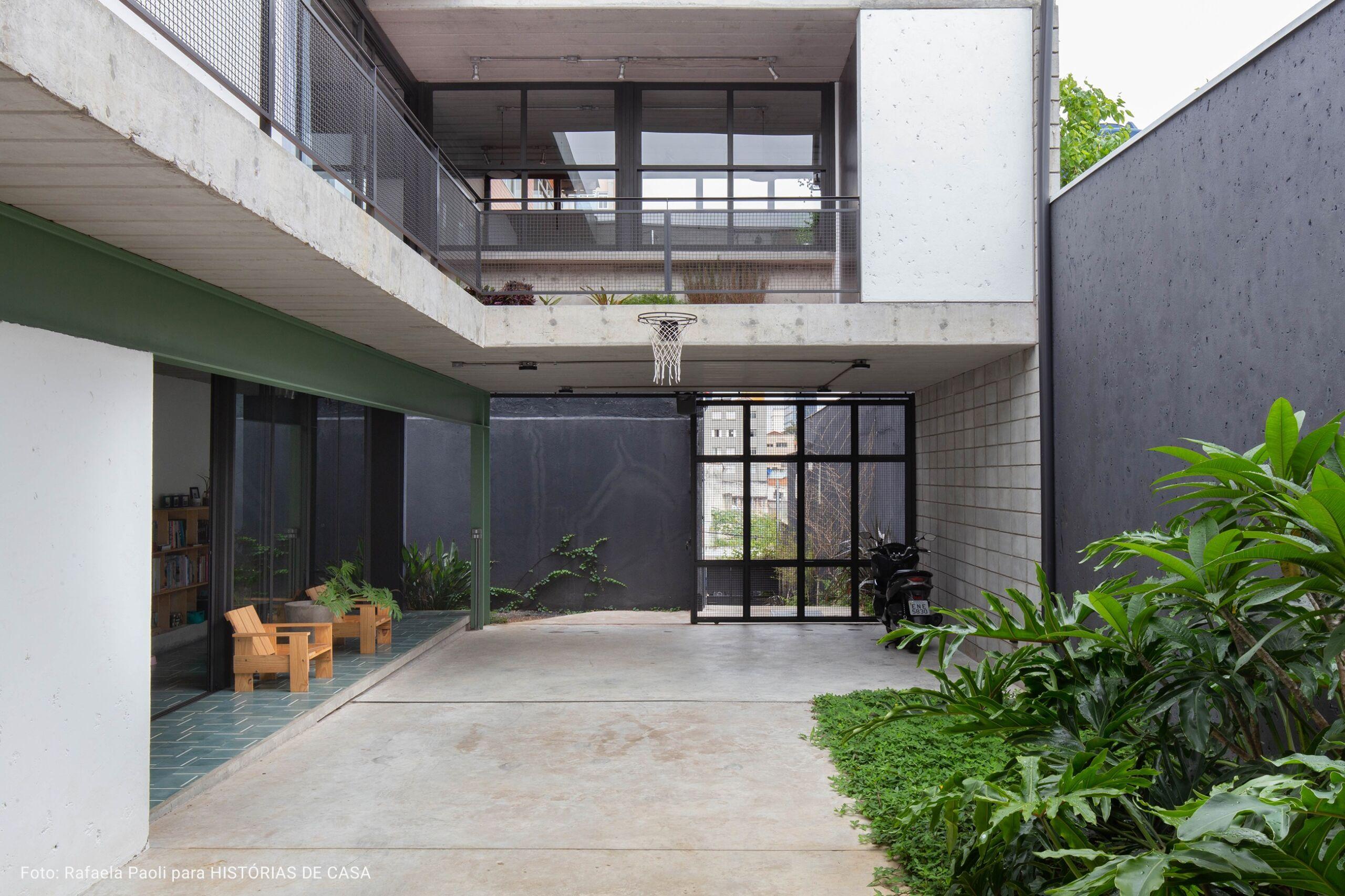 casa com pegada industrial moderna