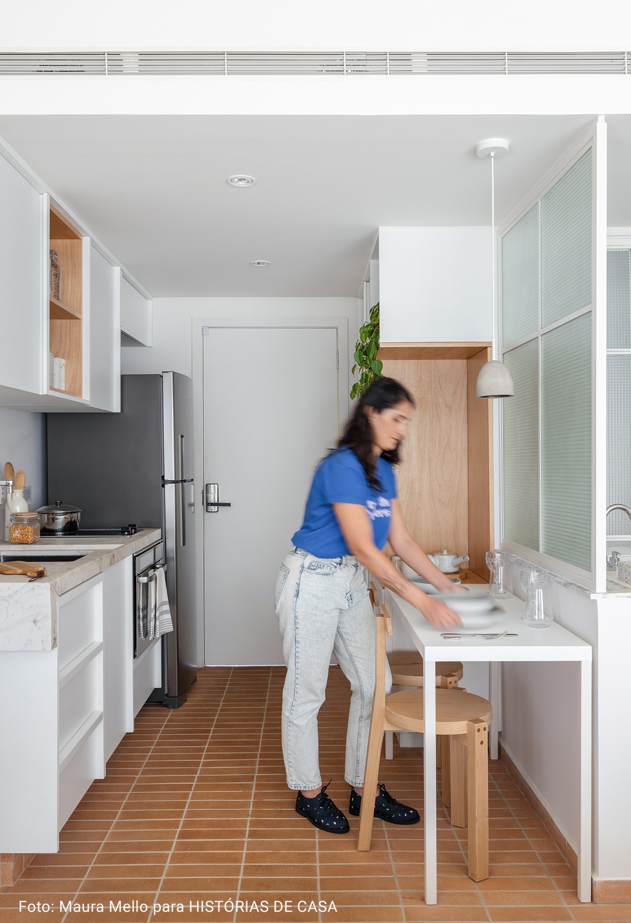 cozinha pequena integrada minimalista