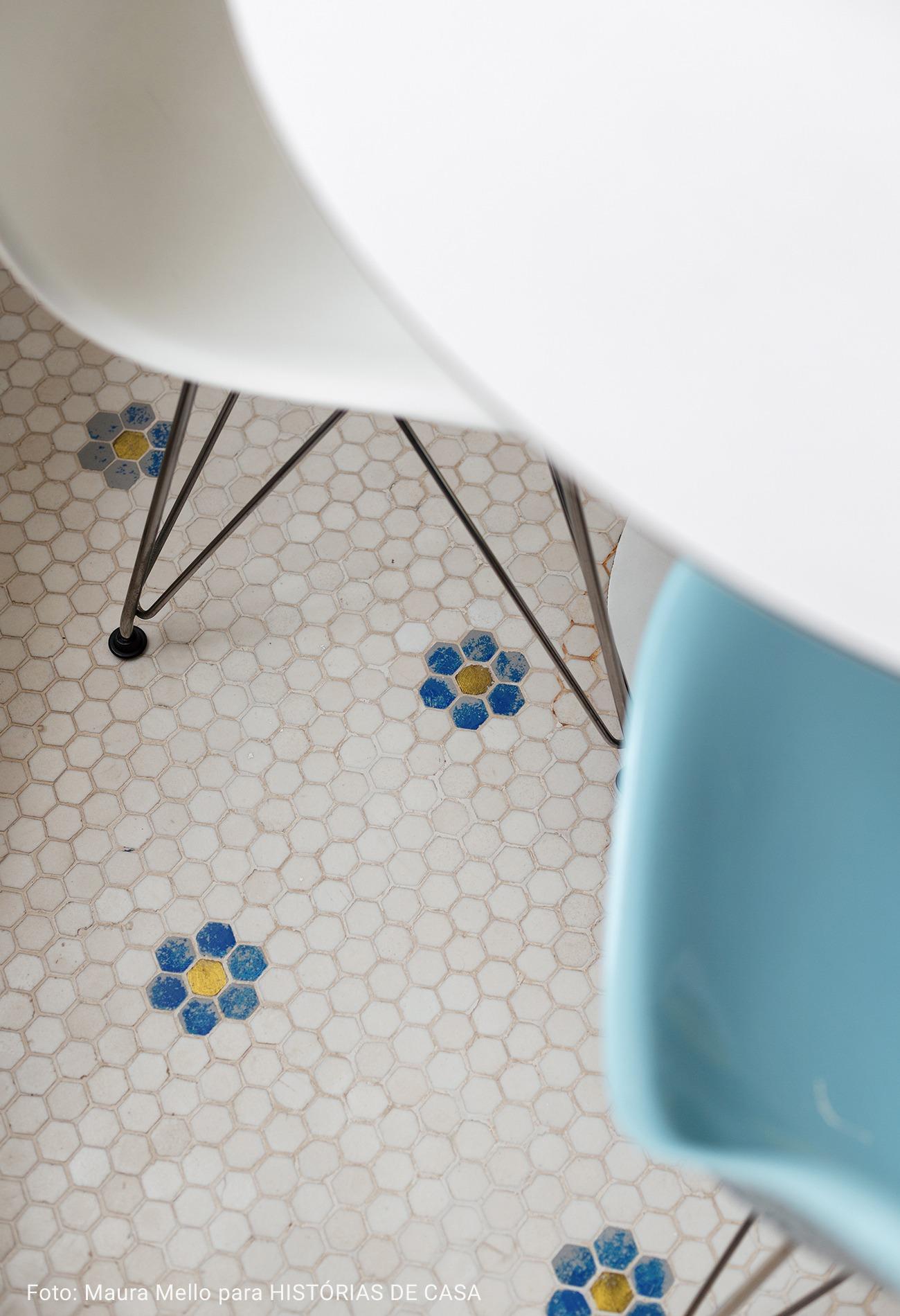detalhe de ladrilhos com flor