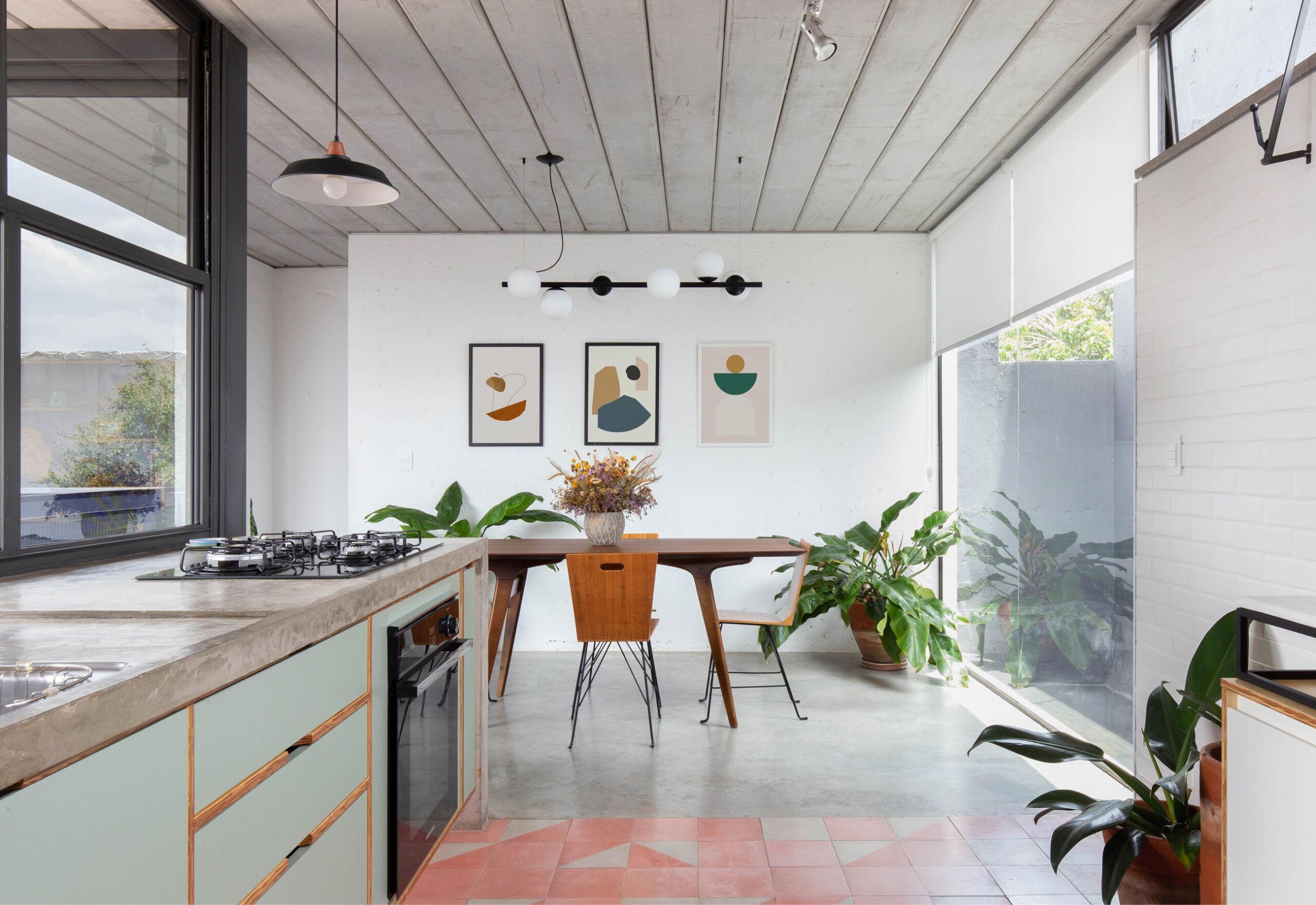 cozinha com armários verde água
