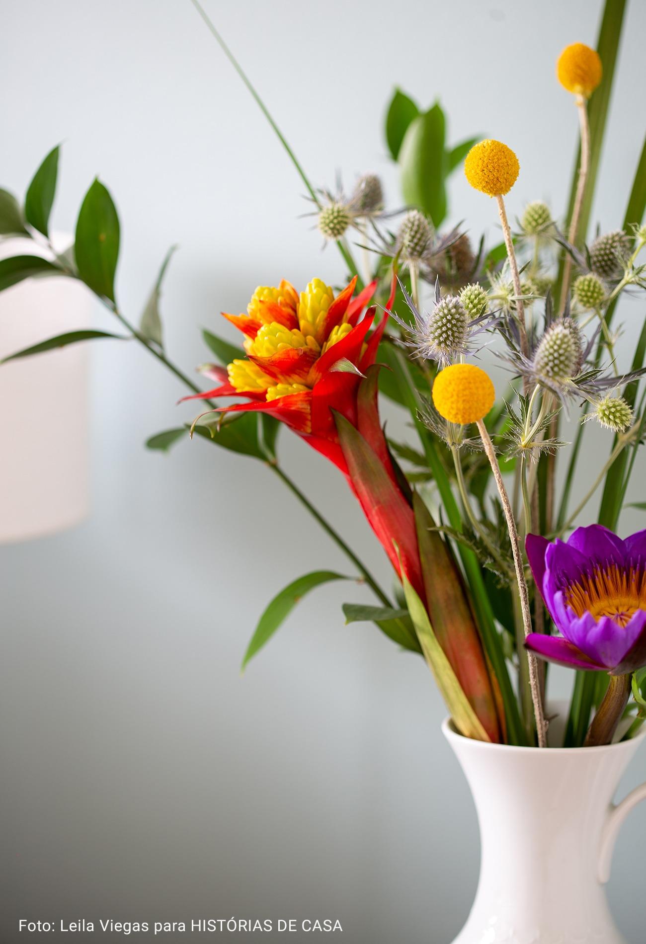 close de jarro de flor
