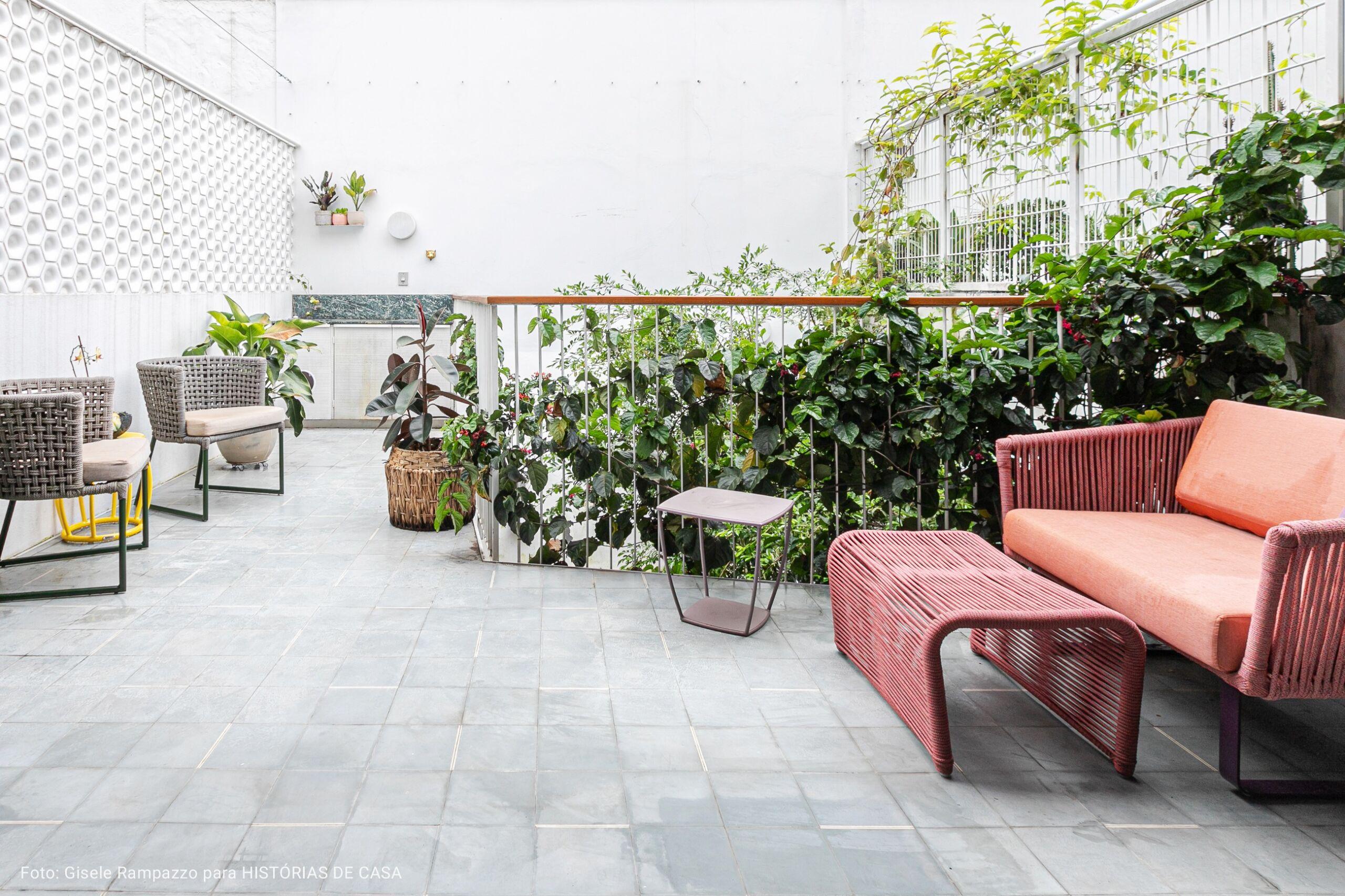 varanda com sofá melancia