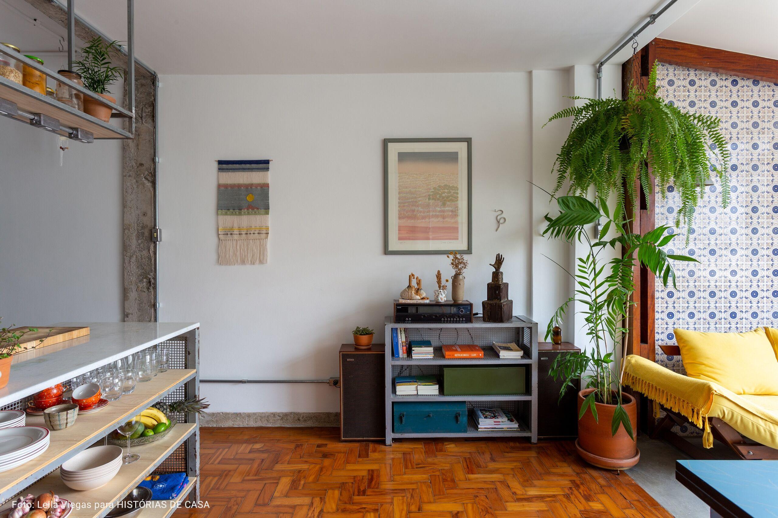 sala com piso de taco