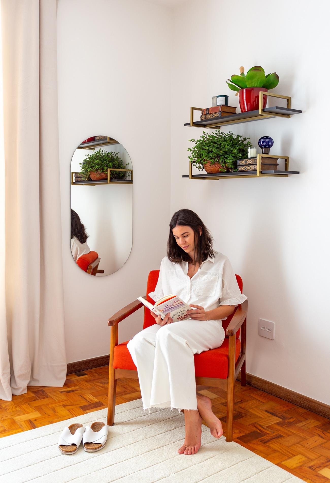 quarto com espaço pars leitura