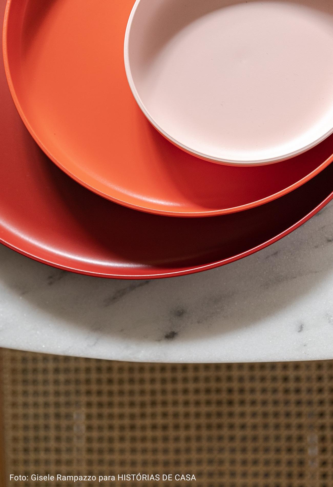 cozinha com mesa de granito
