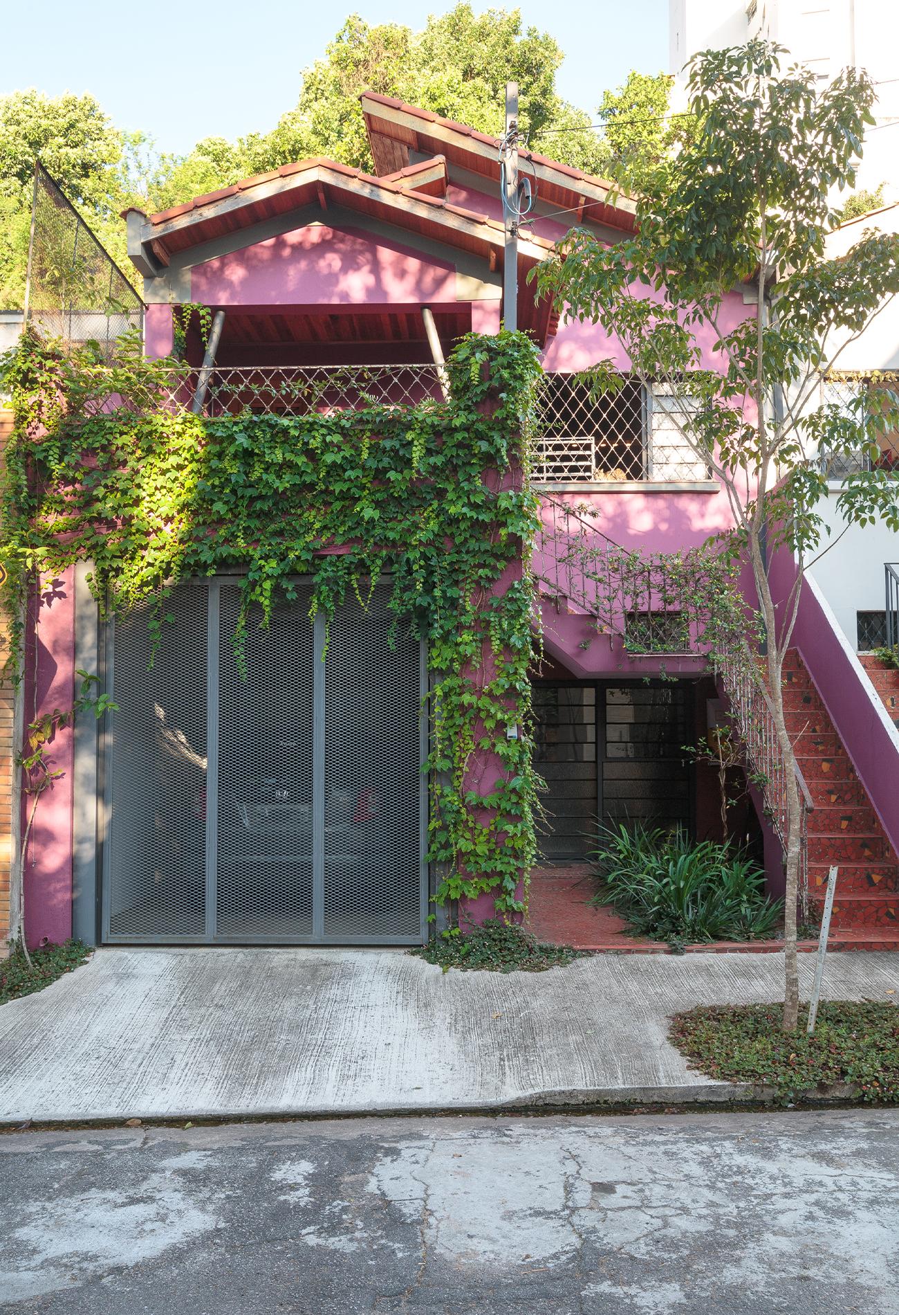 casa-libre-sandra-fachada-roxa-arquitetura.jpg