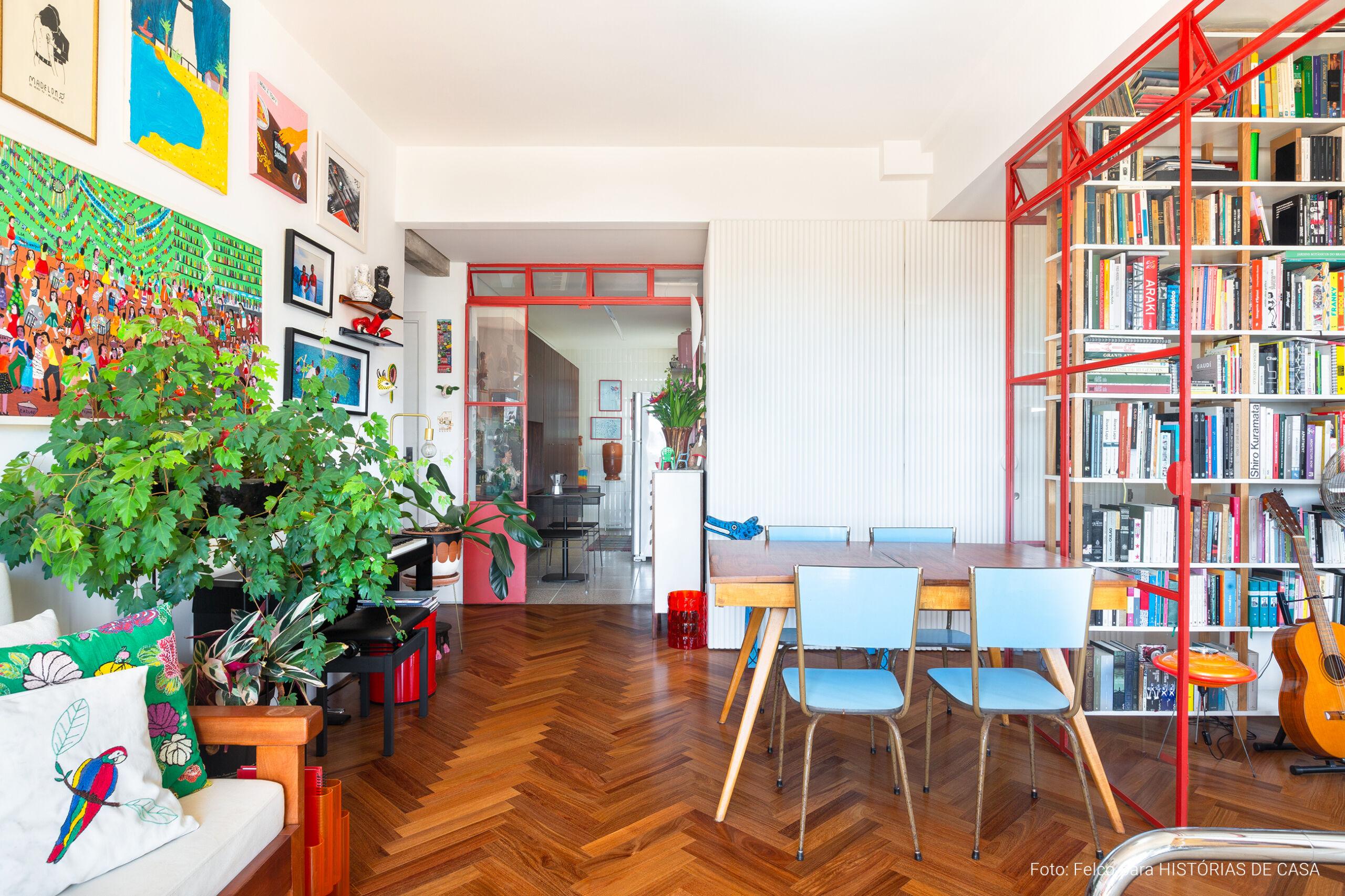 Apartamento bem colorido no Edifício Viadutos