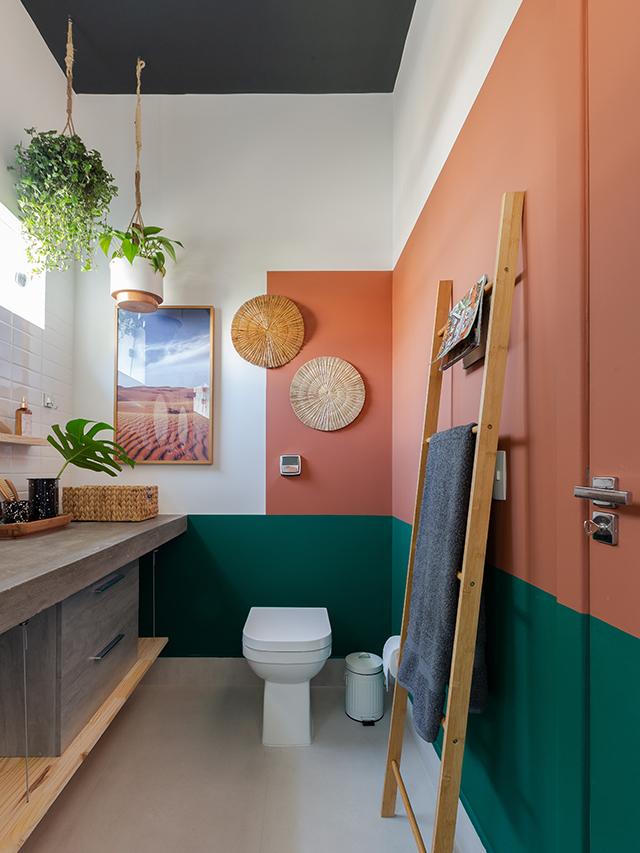 Antes e Depois banheiro colorido