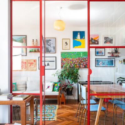 Portas de serralheria e vidro na cor vermelha, portas coloridas