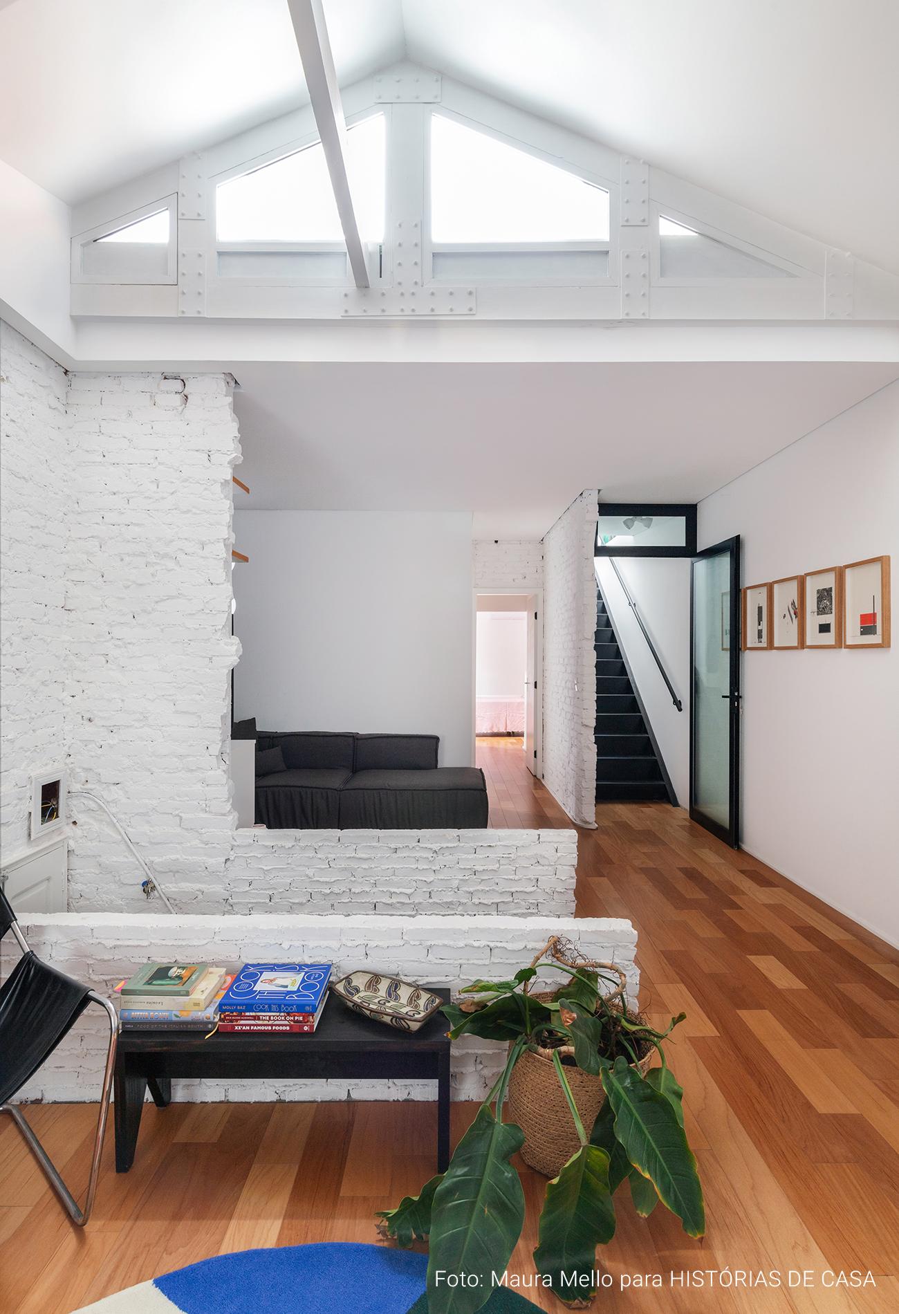 Apartamento em prédio antigo parede de tijolinho