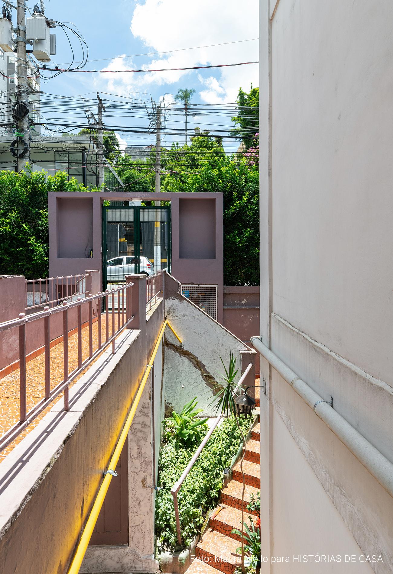 Antes e Depois pintura fachada colorida, prédio Santo Antônio Histórias de Casa