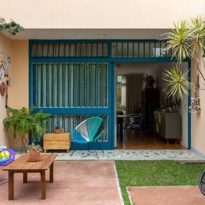 Casa de família com jardim e quintal