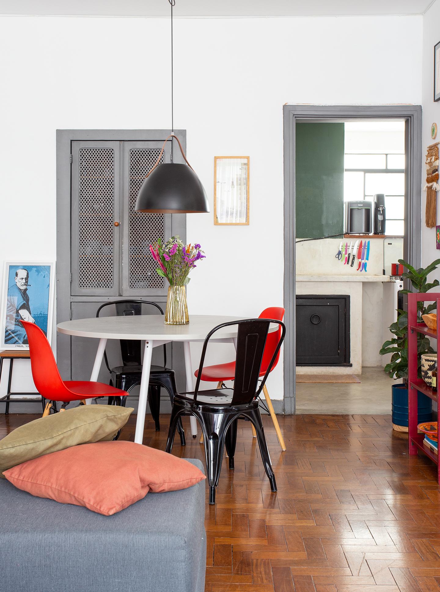 Apartamento alugado e colorido com boas ideias